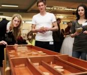 Texas Holdem pokerový turnaj v odsvěceném kostele, Mobilní casino Praha