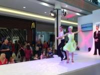 Exhibice v latinskoameriských a standartních tancích, program mobilní casino Praha